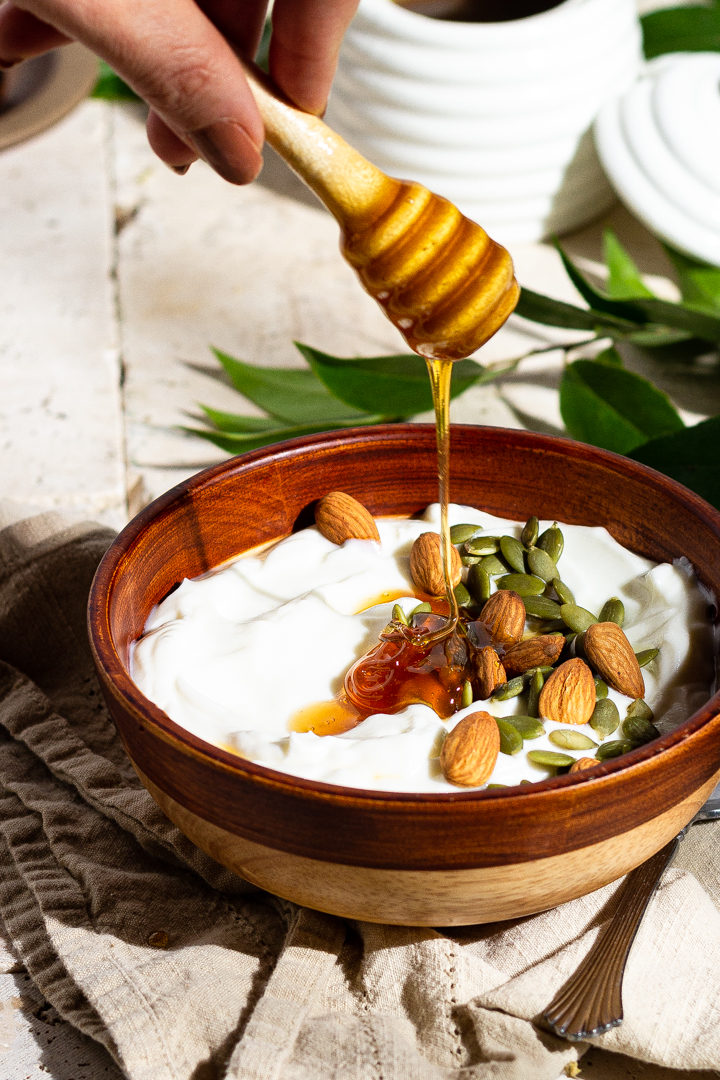 honey recipe, honey making, honey and yogurt, honey and almonds, phoode, editorial food photography